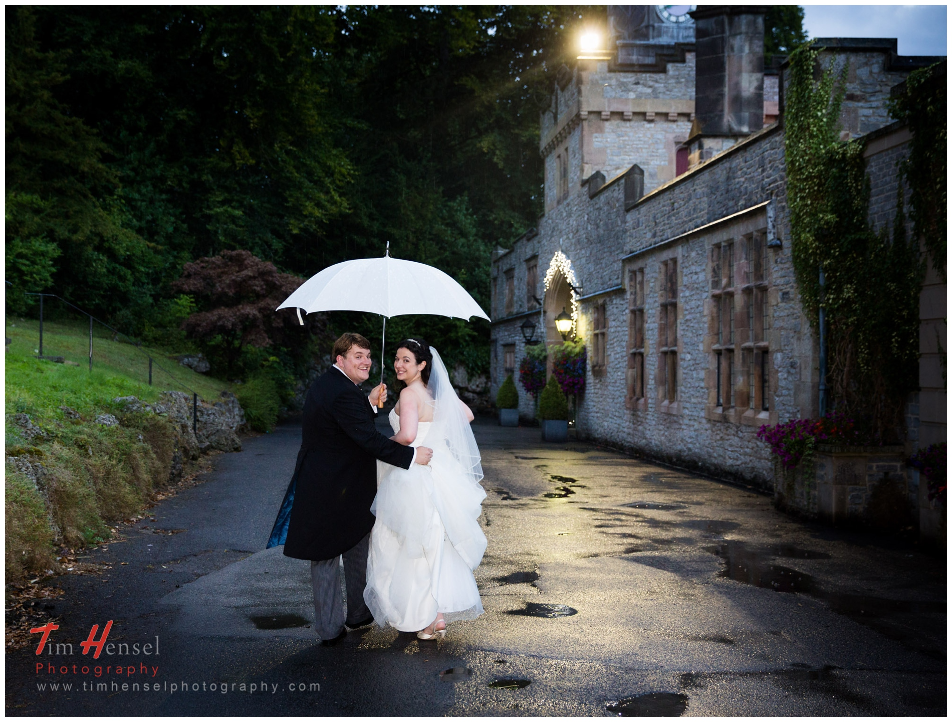 Relaxed and natural, a wedding photograph at thornbridge hall