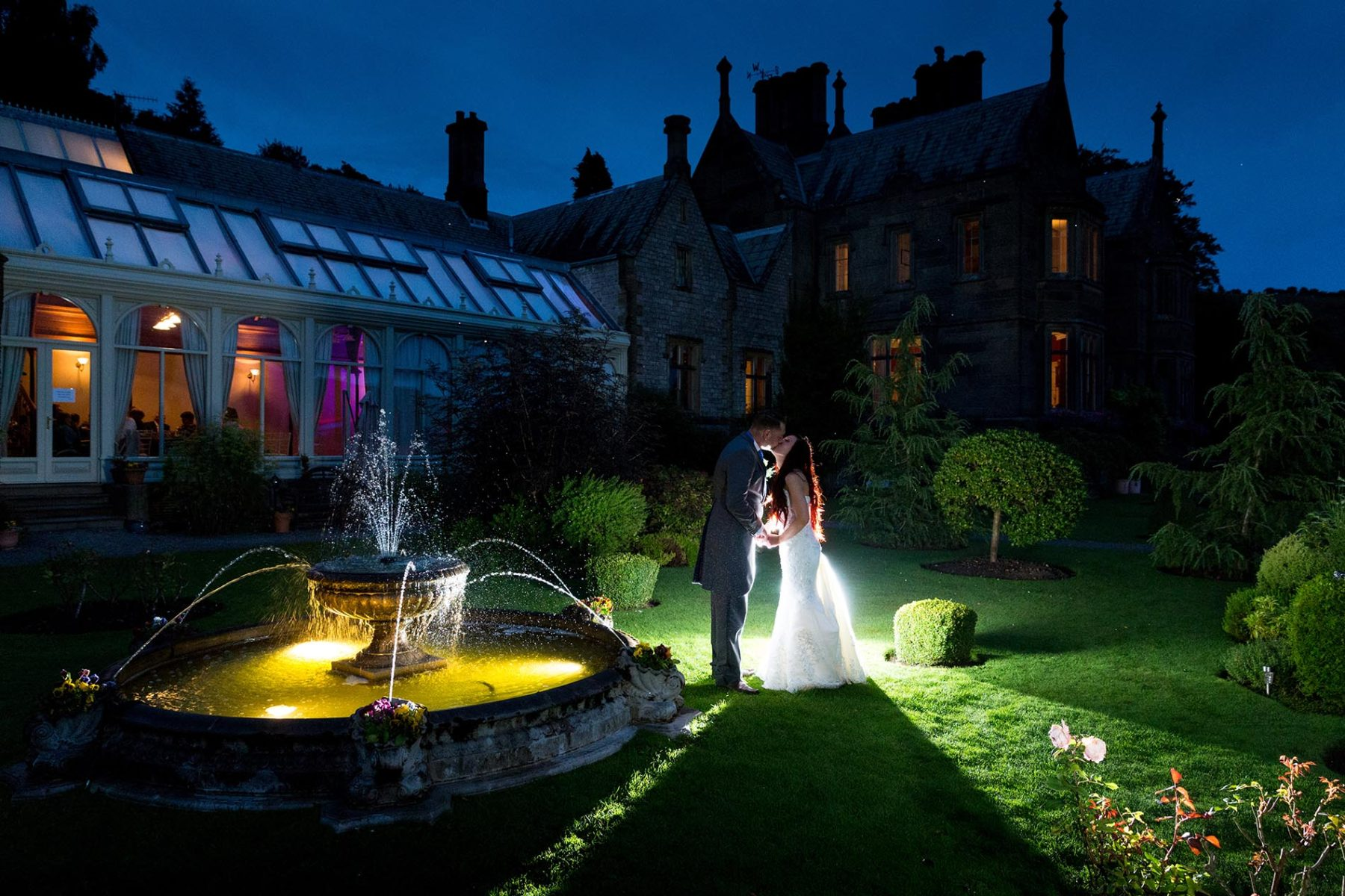 stunning late night wedding photo in cheshire