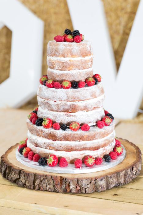 wedding cake at a rustic wedding in derbyshire