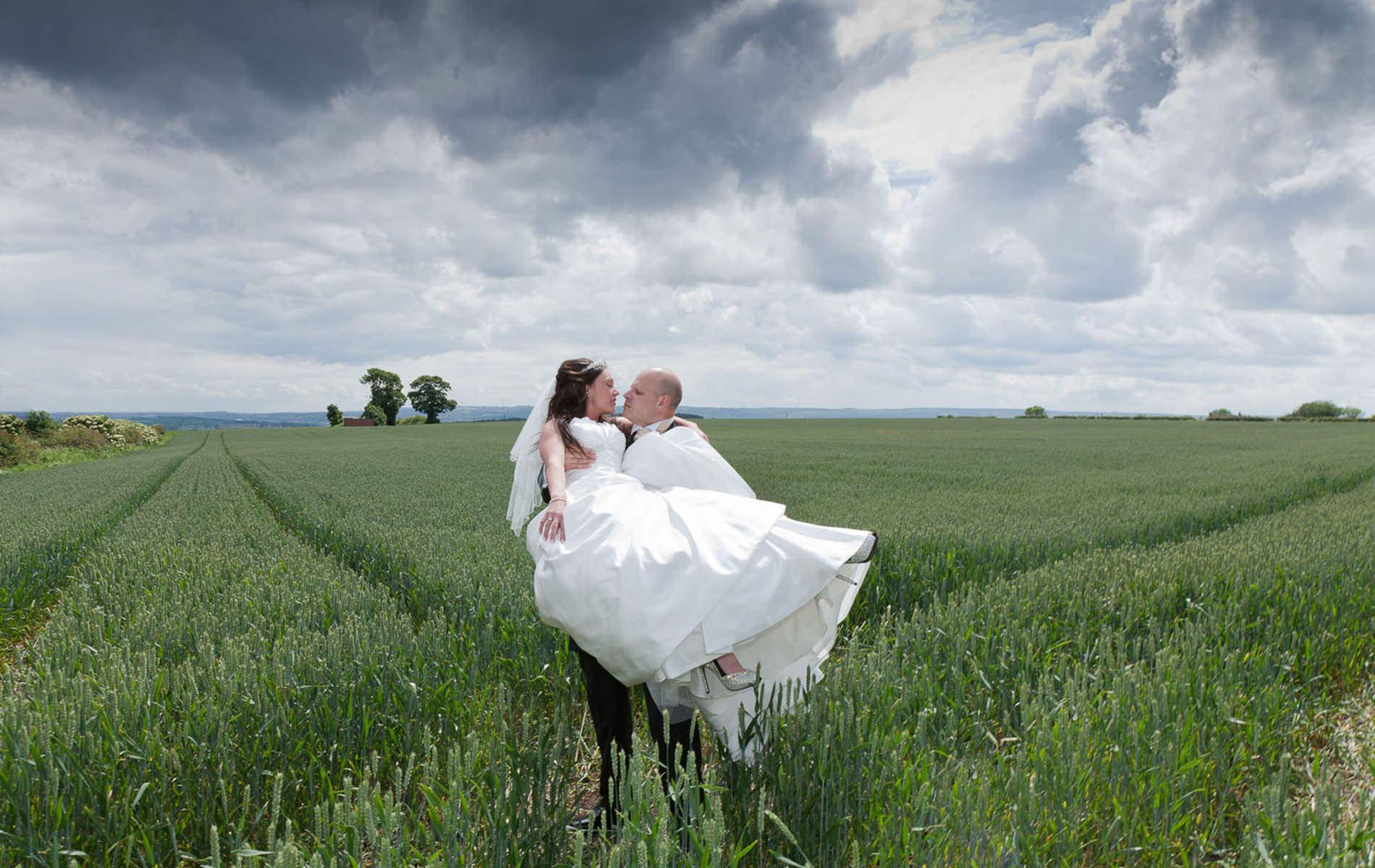 creative wedding photographer kent