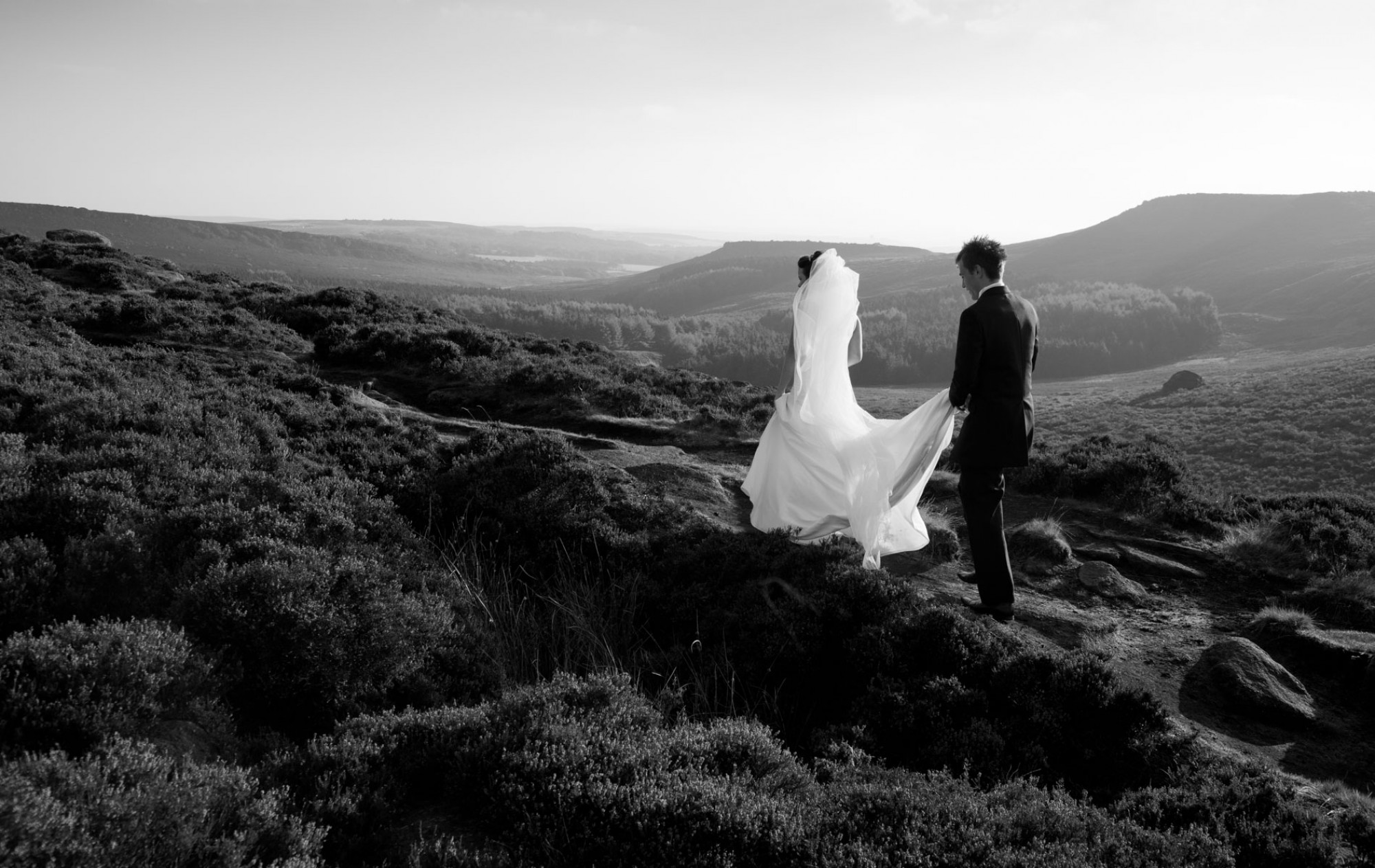 Beautiful relaxed wedding photography, shot in the Derbyshire Peak District by Derbyshire & Cheshire wedding photographer Tim Hensel